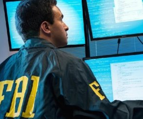 ФБР неможет нанять достаточно хакеров, потому что они все курят траву