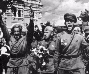 Что отечественные журналисты, блогеры и режиссеры пишут в День Победы