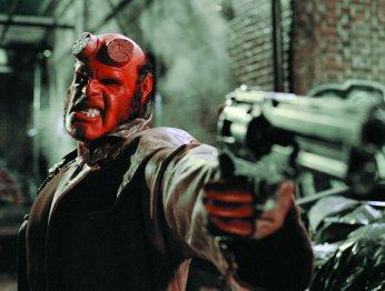Пистолет вам в руки: Рон Перлман пожелал удачи новому Хеллбою