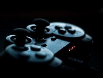 Опрос: дизайн какой консоли PlayStation вам больше всего нравится?