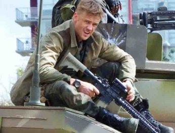 Шикарные фото со съемок «Хищника» Шэйна Блэка (у Арни не было танка)