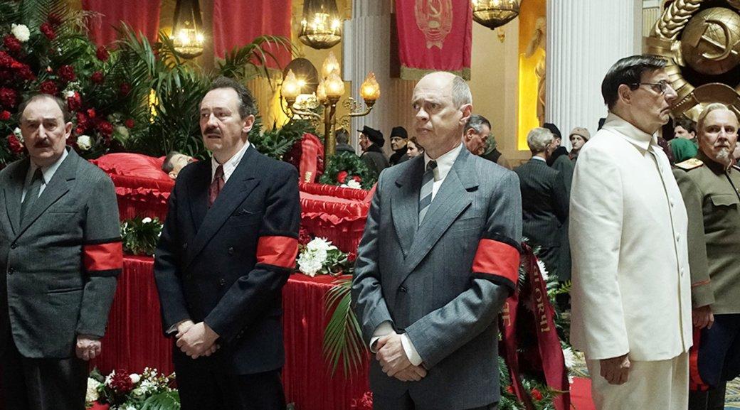 «Спривкусом русофобии»: что критики думают осатирической комедии «Смерть Сталина». - Изображение 1