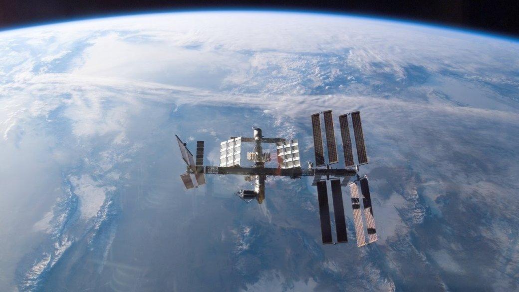 Какова жизнь вкосмосе: вДень космонавтики «ВКонтакте» провела прямую трансляцию сМКС | Канобу - Изображение 1
