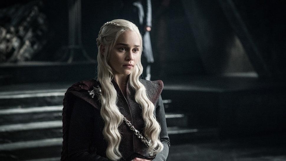 «Найдите самый большой телевизор»— Эмилия Кларк тизерит будущие серии «Игры престолов» | Канобу - Изображение 11543
