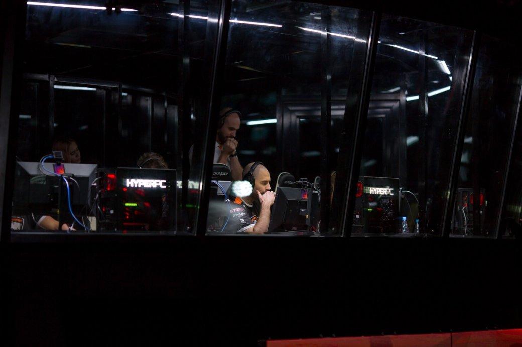 Закулисами: накаких компьютерах проводят киберспортивные турниры | Канобу