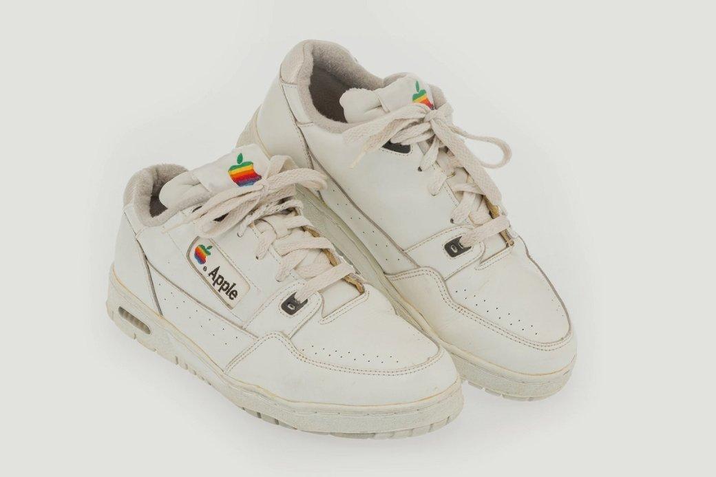 Ретро-кроссовки Apple ушли саукциона за1,2 млн рублей | Канобу - Изображение 6970