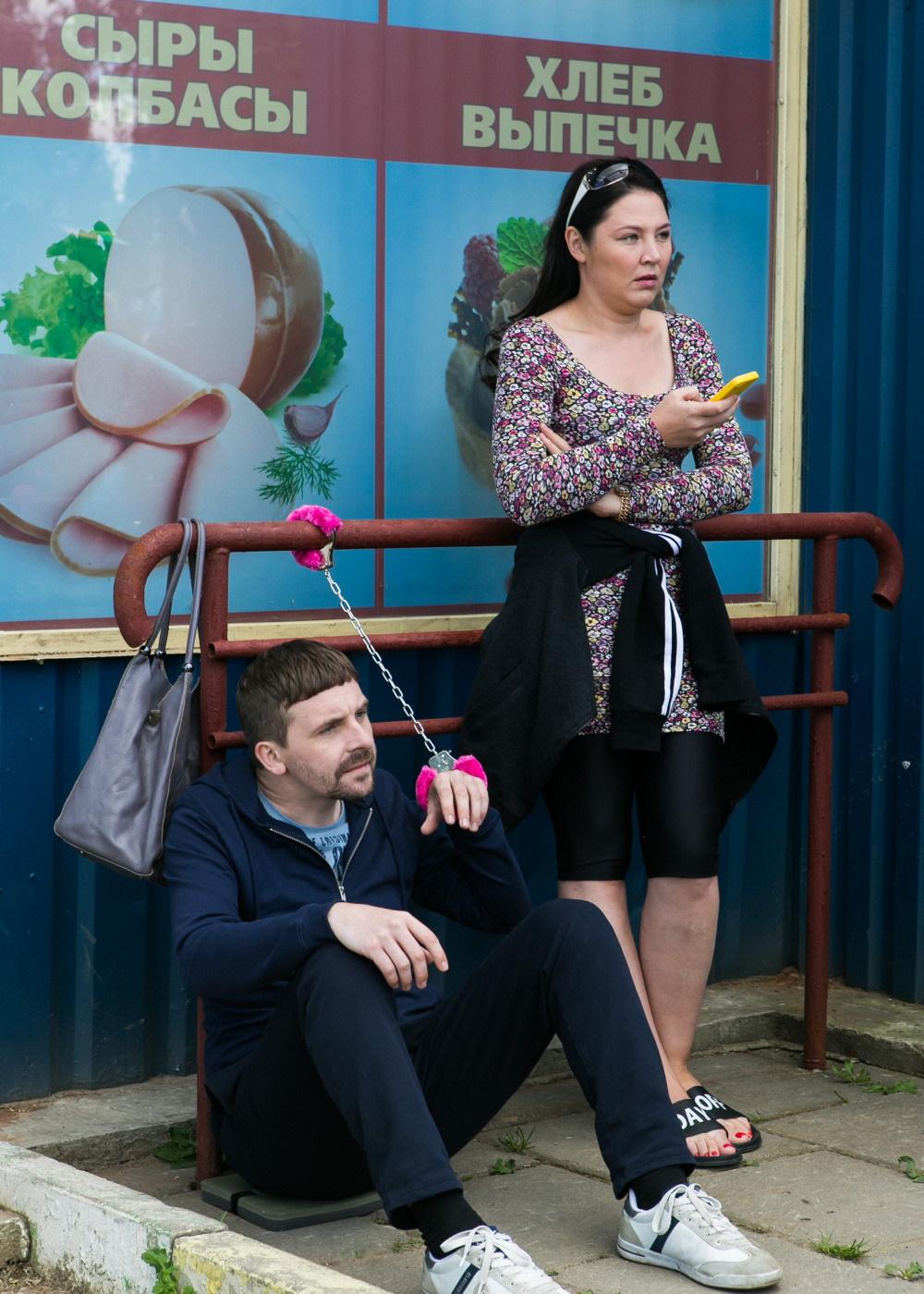 Мнение опервых сериях «Патриота»— новой комедии ТНТ о бывшем спецназовце в маленьком городе | Канобу - Изображение 327