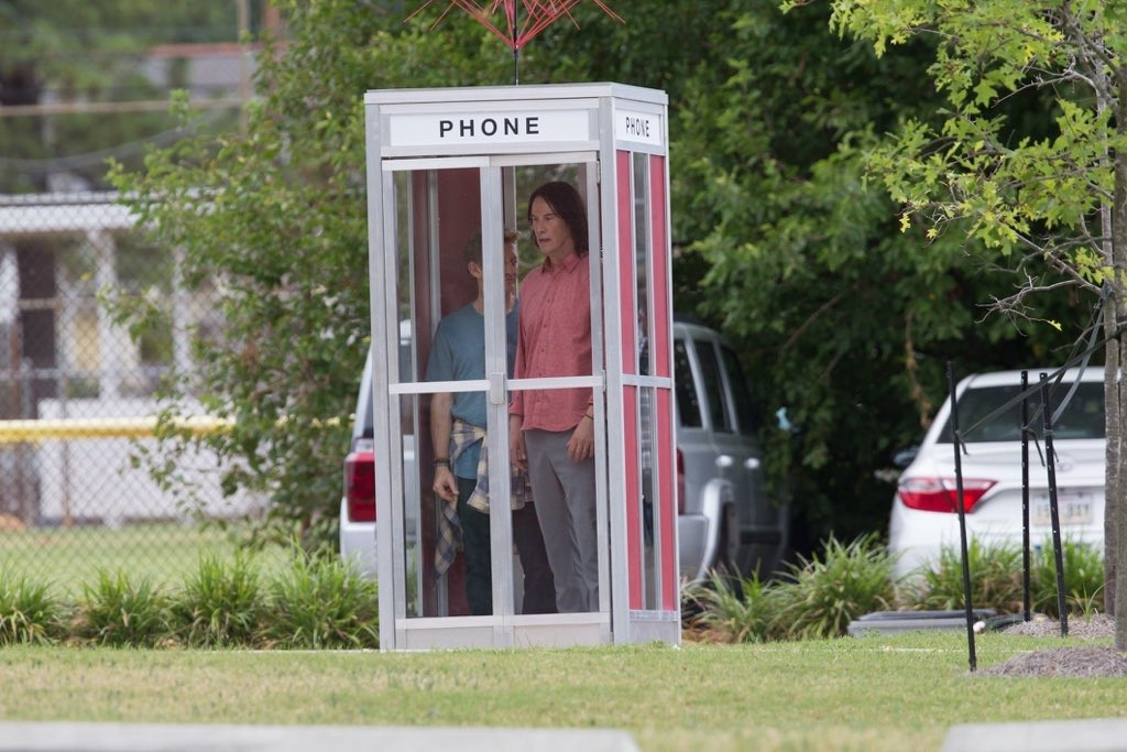 Авот ипервые кадры третьей части «Билла иТеда». Стой самой телефонной будкой! | Канобу - Изображение 4